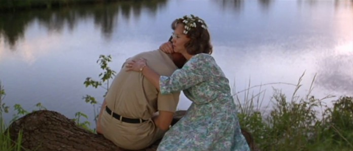 sally-field-mrs-gump-and-tom-hanks-forrest